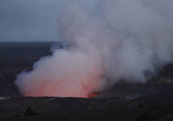 Während Lava sickert, sagen Hawaii-Beamte, dass der Rest der Insel offen ist