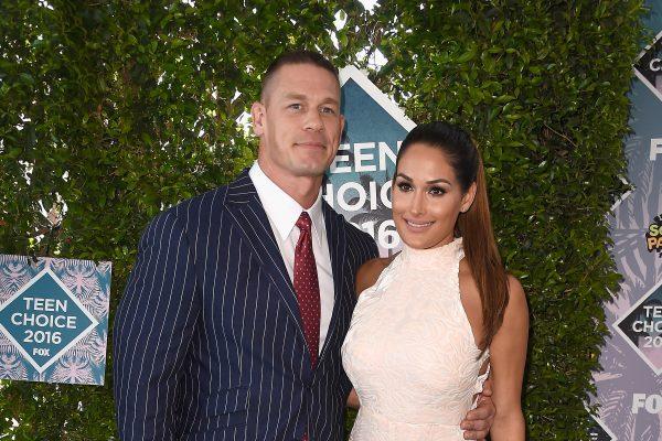 """John Cena und Nikki Bella """"arbeiten an ihrer Beziehung"""" nach SHOCK splitten nur drei Wochen vor der Hochzeit"""