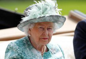 Die Königin wurde gezwungen, nach ihrer Krankheit in der St. Paul's Cathedral zu erscheinen