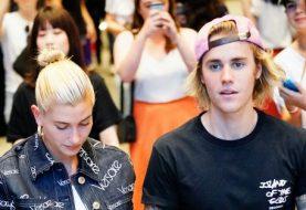 Justin Bieber 'HAGELET BALDWIN ENGAGIERT', nachdem er die Frage im überfüllten Restaurant gestellt hatte - nach nur einem Monat der Verabredung