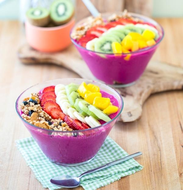 Drachenfrucht-Smoothie-Bowl-1