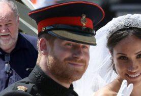 """Meghan Markles Vater """"aß Jell-O"""", als er allein die königliche Hochzeit verfolgte - als es enthüllt wurde, dass Prinz Harry ihn nach der Hand einer Tochter in der Ehe fragte"""