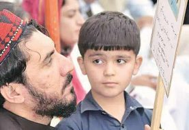 """Pakistan sieht einen neuen """"Badshah Khan"""" als paschtunischer Held, der die Armee übernimmt"""