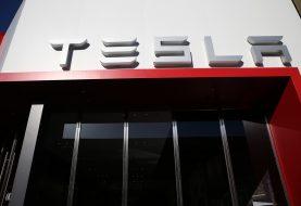Tesla Aktien sinken als Modell 3 Produktions-Sputtern