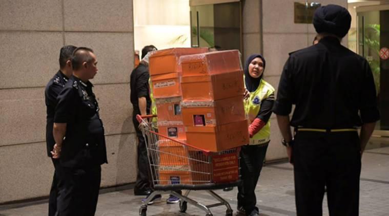 """Malaysias Ex-PM Najib bei der Polizei, Frau warnt vor """"öffentlichem Prozess"""""""