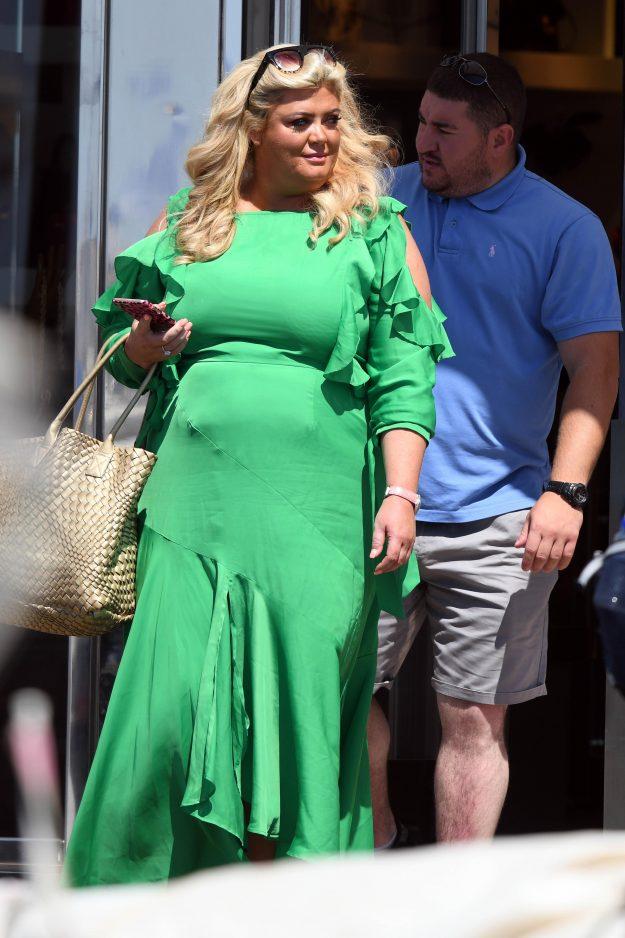 Gemma Collins sah sensationell aus, als sie in Marbella ausstieg