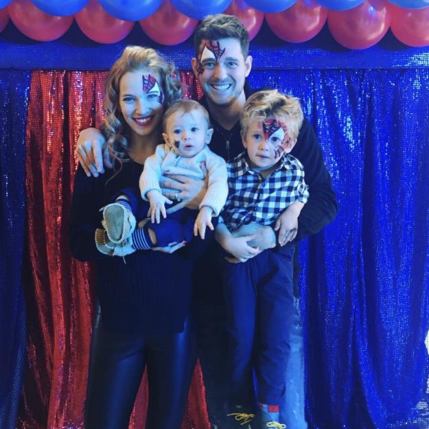 Michael Buble gab bekannt, dass sein ältester Sohn Noah 2016 an Krebs erkrankt war