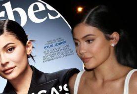 """Kylie Jenner-Fans denken, DICTIONARY wirft ihr Schatten zu, da sie zu einem """"selbstgemachten"""" Milliardär wird"""