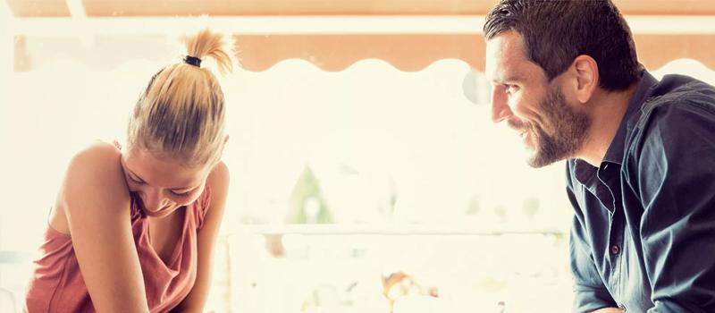 Auf dein erstes Date gehen? Wie man es denkwürdig macht
