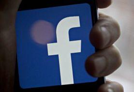 Zuhause TechnologySocial Facebook um mehr Details über Pages zu zeigen: Was das bedeutet  Facebook um mehr Details über Pages zu zeigen: Was das bedeutet Facebook hat begonnen, mehr Informationen zu den Seiten und primären Standorten, an denen sie verwaltet werden, unter dem Bereich Info und Anzeigen der Seite anzuzeigen.                Von: Tech Desk | Mumbai |  Aktualisiert: 23. August 2018 10:54:02 Uhr   Facebook hat begonnen, mehr Informationen über Seiten und primäre Orte, wo sie verwaltet werden, unter der Info-Seite der Seite zu zeigen (Bild: Bloomberg). Social-Networking-Riese Facebook hat begonnen, mehr Informationen über Seiten und primäre Standorte, wo sie verwaltet werden, unter der Seite Informationen und Anzeigen der Seite zu zeigen. Dies ist in Kraft getreten, um die Verantwortlichkeit und Transparenz von Facebook-Seiten zu stärken, so das Unternehmen. Der Bereich Info und Werbung befindet sich auf der linken Seite der Seite. Zu den Informationen gehören das Datum, an dem die Seite erstellt wurde, und die primären Speicherorte, an denen sie verwaltet werden. Darüber hinaus enthält es Informationen wie die Anzahl der Personen, die die Seite in jedem Land verwalten, frühere Namensänderungen und die Zusammenführung von Seiten, die am oder nach dem 6. September 2018 stattfinden. Laut Facebook werden die Informationen in Bezug auf Länderstandorte, in denen Seiten primär verwaltet werden, mit Hilfe von Informationen eines Administrators, wie z. B. Standort auf seinem Facebook-Profil, Gerät und Verbindungsinformationen, generiert. Falls das Profil zu neu ist und Facebook den Standort nicht ermitteln kann, werden die Informationen nicht geteilt. Lesen Sie auch: Facebook, um Administratoren zu überprüfen, die Pages verwalten; Pilot, um in den USA zu starten Die persönlichen Informationen von Facebook-Administratoren werden nicht auf ihren Facebook-Seiten geteilt, es sei denn, Administratoren haben zugestimmt, die Informationen zu teilen. Personen, die die Seit