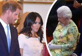Meghan Markle betäubt, als sie und ihr Ehemann Prinz Harry sich im Buckingham Palace der Queen für Young Leaders Awards anschließen